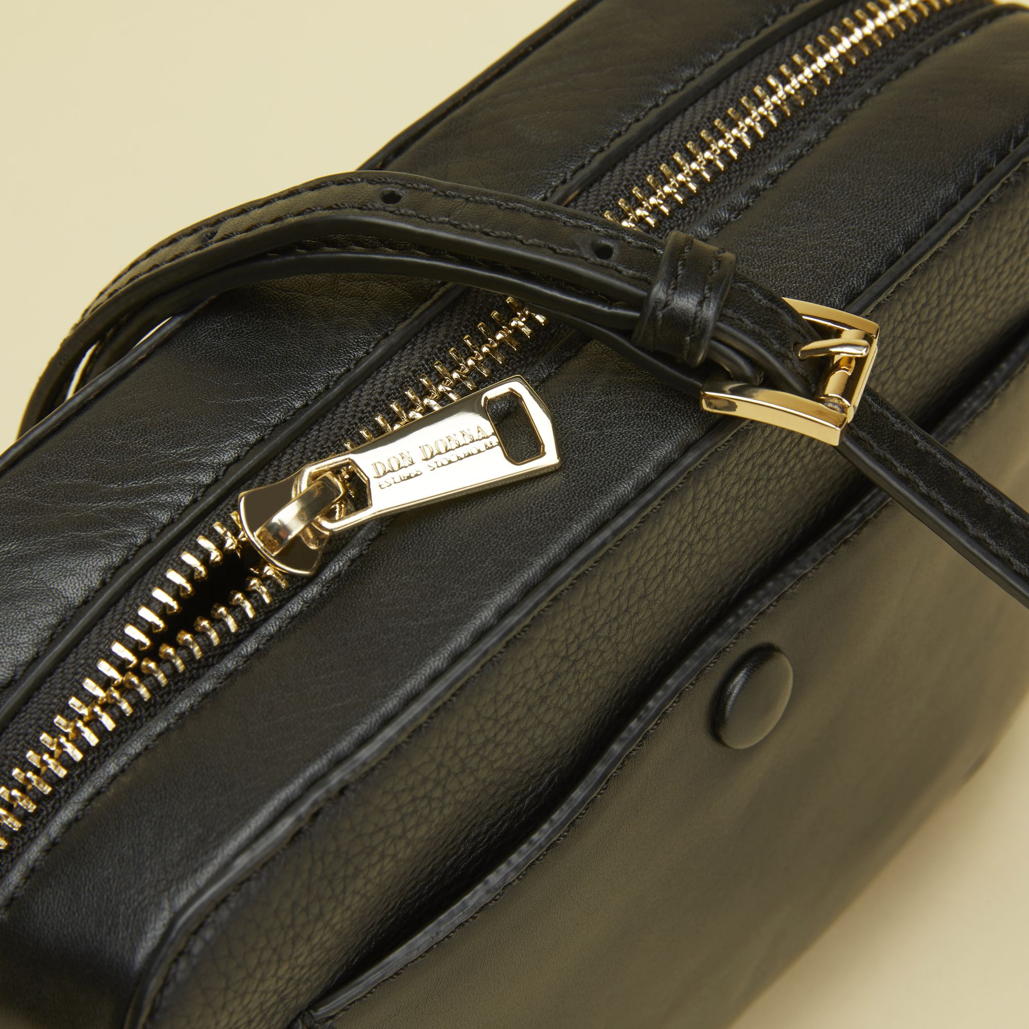 Kjøp Don Donna Don Donna Belinda Camerabag väska i skinn her  5fd61b246b2e9